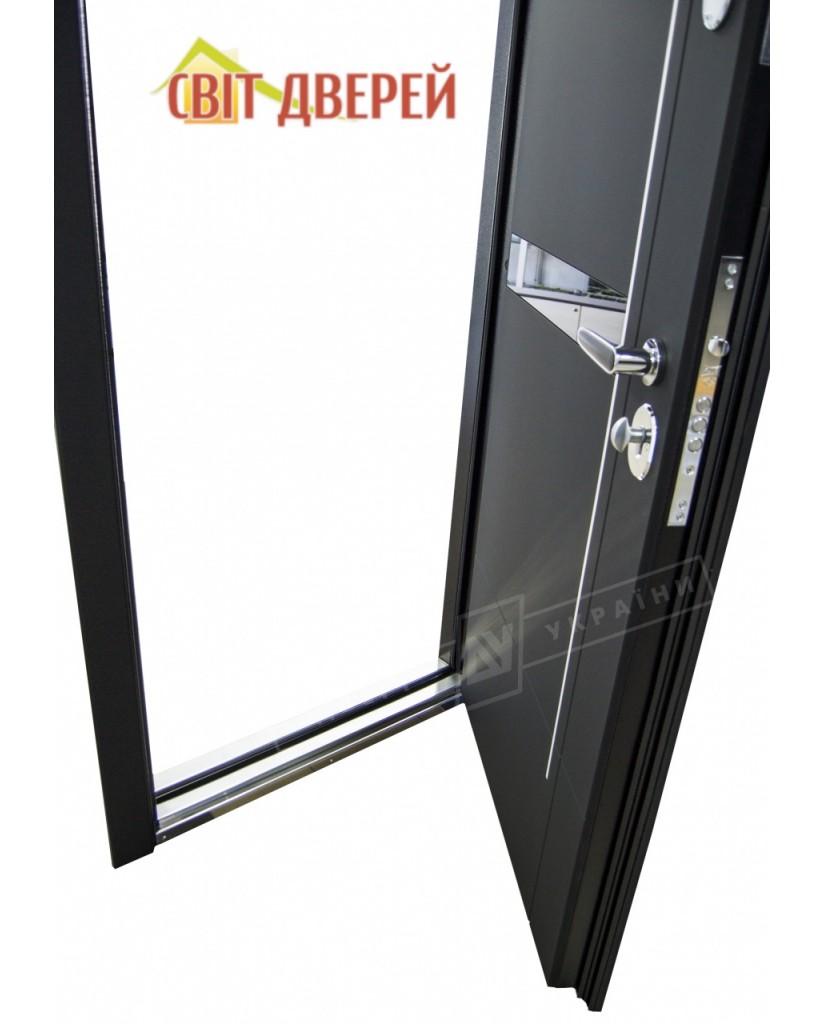 """ИНТЕР 6"" модель ЭЛИС чёрное стекло / Моттура / Чёрный софттач  / Белый супермат"
